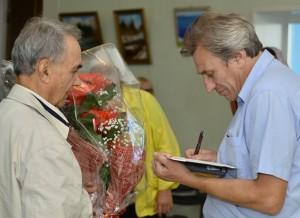 Автограф-сессия после лекции, пос. Ванино